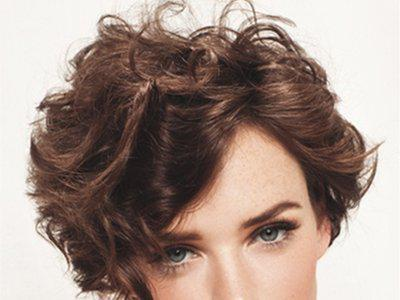 fer à friser cheveux courts